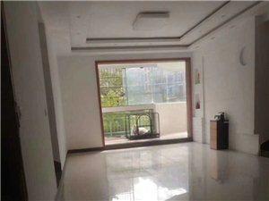 出售商业城132平,四室两厅两卫、地理位置非常好