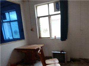 中成宾馆3室 1厅 1卫500元/月