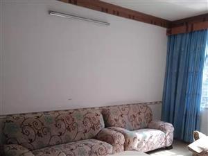 城中心套房3室 2厅 2卫1500元/月