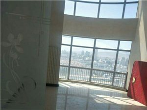 新华街板高5室 2厅 2卫5000元/月