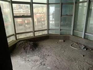 时代广场4室 2厅 1卫80万元