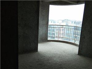 龙腾锦城3室 2厅 2卫67.12万元