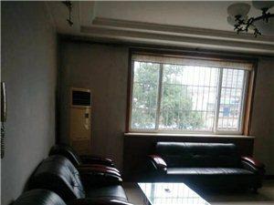 亨盛北区一楼带车库精3室 2厅 2卫1250元/月
