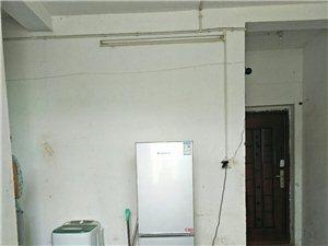 消防队旁2室 1厅 1卫550元/月