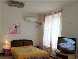 群星莱骊1期2号1室 1厅 1卫1200元/月