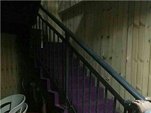 路发枫林绿洲9室 3厅 3卫8160元/月