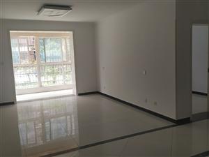 天鹅湖3室 空房1300元/月