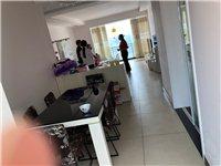 龙腾锦城,祥龙苑套房出售,室内面积136平,三室两