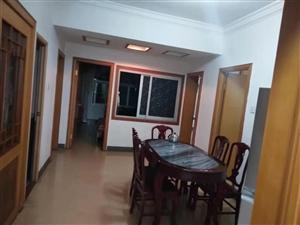 北石天和洒店旁4室 2厅 2卫1600元/月
