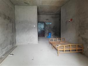 香江3室 2厅 2卫68万元