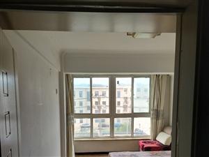 河畔嘉园临街四4楼2室 1厅 1卫