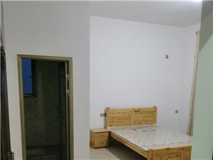 崇州羊马水利大学对面自建房独院(邻近永和村村委会)1室 0厅 1卫500元/月