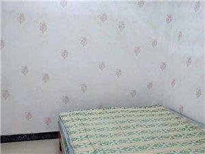 富华苑小区6室 1厅 1卫350元/月