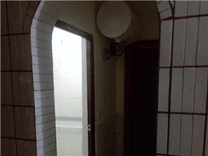 崇庆北路620号3室 1厅 3卫1100元/月