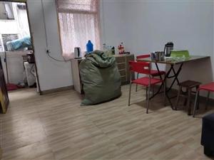 稀缺一室一廳,中裝撒子都有,二樓。