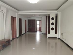 皇家翰林3楼精装3室 2厅 1卫1350元/月