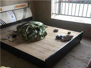新五中学区房3室 2厅 2卫8000元/月