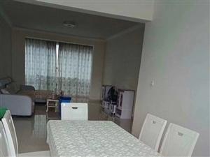 集英小镇3室 2厅 2卫18000元/月