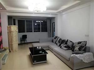 南山一品3室 2厅 2卫1500元/月