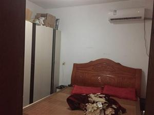 足中家属院3室 1厅 1卫1000元/月