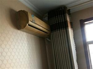 清风小区3室 2厅 1卫1250元/月俩个空调
