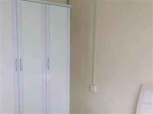商貿城公寓2室 1廳 1衛1580元/月