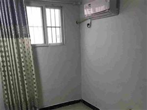 长期出育新小学附近单间1室 1厅 1卫650元/月
