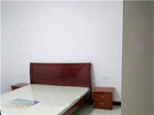 六转盘3室 1厅 2卫2300元/月