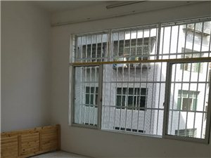 三转盘3室 2厅 1卫1700元/月