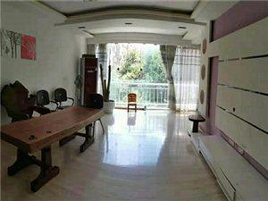 龙腾锦城3室 2厅 2卫2000元/月