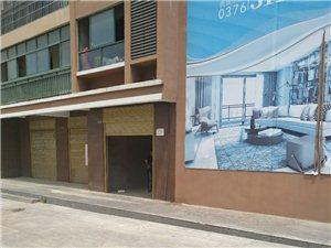 华夏华城与海龙国际路口正中间1室 1厅 1卫500元/月
