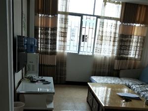 地税小区3室 2厅 1卫18000元/月