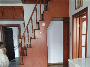 桂山花园6楼送阁楼70平使用面积证齐全可以贷款