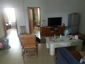 三小学区房建设路套房3室 2厅 2卫1500元/月