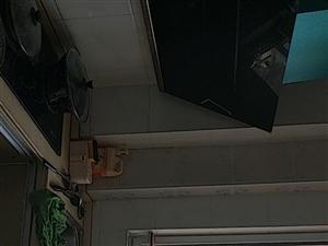金利家园5楼带阁楼精装家居家电齐全