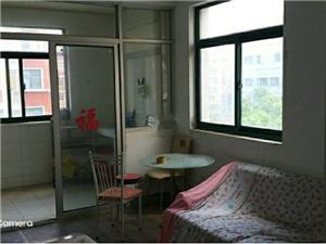 空港公寓2室 1厅 1卫1300元/月