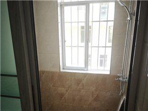 锦绣家园4室 2厅 2卫2000元/月包含一个车位