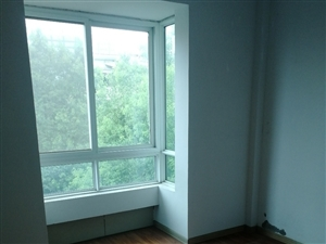 东方龙城3室 2厅 2卫1000元/月
