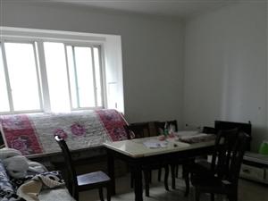 学府灏景3室 2厅 2卫1300元/月