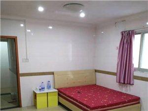 龙湖民生银行附近1室 0厅 1卫650元/月