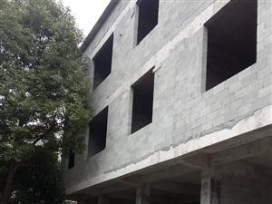 新中医院附近两楼一底3室 2厅 2卫64.8万元