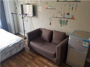龙脉花园1室 1厅 1卫拎包入住