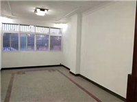 汽车站3室 2厅 2卫68万元