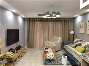 凤凰城3室 2厅 1卫103.8万元