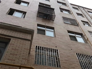 天寶華庭3室 2廳 2衛51.8萬元