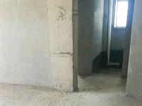 新怡家园电梯房七楼