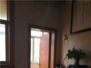 城垣新区3室 2厅 2卫1500元/月