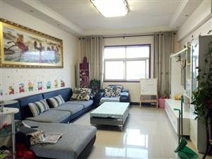 京密高中附近,3室2厅,双气,卖28万元