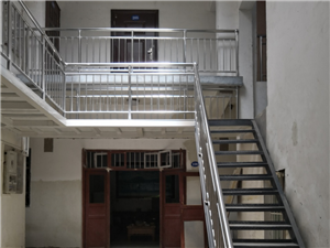 塔山路与新民街东200米1室 1厅 1卫500元/月