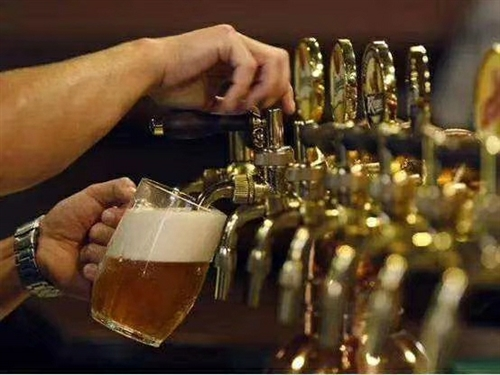 酒吧服務員